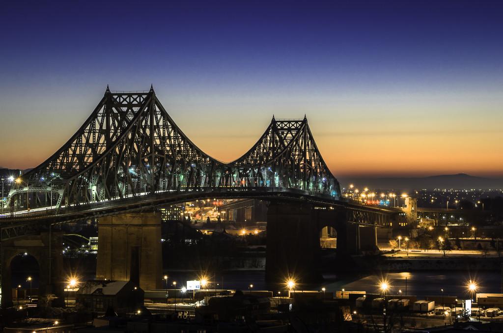 Pont Jacques-Cartier au lever du jour