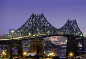 Pont Jacques-Cartier sous la pluie